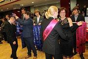 Absolventský ples si užili studenti z ISŠT Benešov.