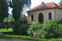 Kompostárna umožní Voticím zbavit se posekané trávy, ořezaných keřů i zbytků květinové výzdoby ze hřbitovů.