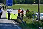 Na hlavním tahu z Prahy na jih Čech se na silnici I/3 u Olbramovic střetlo osobní auto se dvěma motocykly.