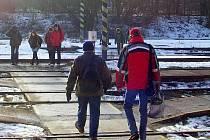 Lidé už vstup do kolejiště ve Vlašimi považují za normu. Nebezpečný zlozvyk si děti nesou do jiných měst při přestupu na střední školu