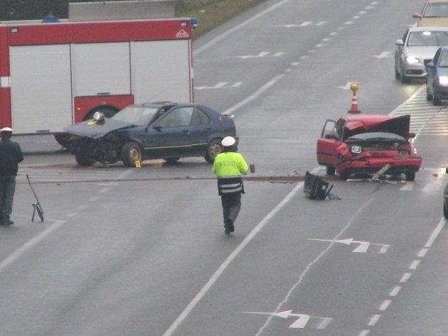 Dopravní nehoda na silnici I/3 u Bystřice.