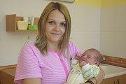 Oliver Novák se narodil 28. května ve14.16 sváhou 3740 gramů a mírou 51 centimetrů. Jeho rodiče, Anna Sůbová a Pavel Novák, se  těší, až jej doma vobci Podveky na Kutnohorsku představí jeho sestře Karolínce (2).