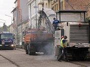 Benešovská Táborská ulice je zatím bez běžného automobilového provozu.