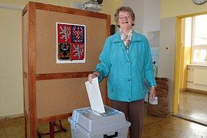 Momentka z druhého dne komunálních a senátních voleb ve Vlašimi.