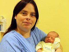 Pavla Machková a Václav Pěkný se 19. prosince v 9.03 stali rodiči malé Veroniky. Sestřičky v porodnici jí navážily 3,63 kilogramu a naměřily 50 centimetrů. Doma ve Vlašimi má brášku Zdeňka (5).