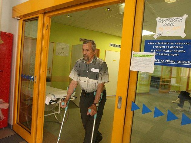 Hrazení poplatků pacientům Středočeský kraj ve svých nemocnicích končí 31. července.