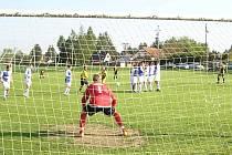 Ze zápasu Sokol Nespeky - FC Jílové (6:2)
