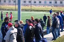 Vulgární výrazy lze slyšet i při zápasech žáků v Benešově. Rodiče a další přihlížejícíi si neuvědomují, že mladým fotbalistům dávají velmi negativní příklad