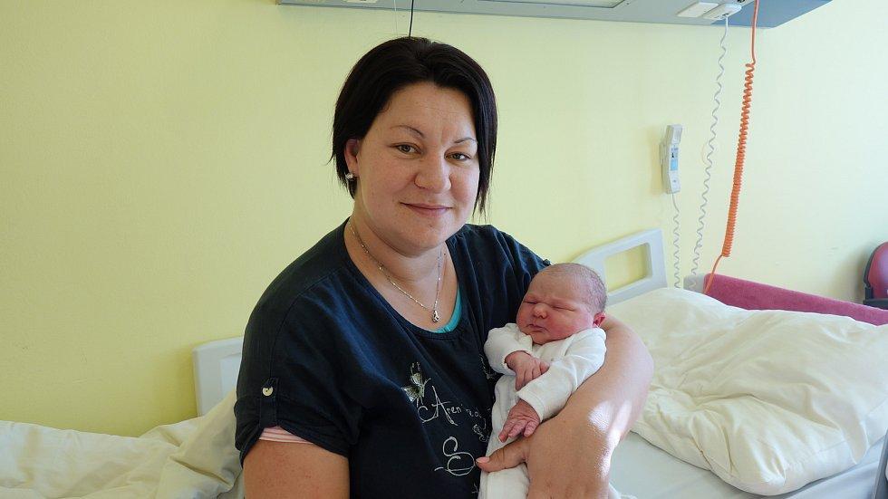 Natálie Beranová se rodičům Simoně Linhartové a Ladislavu Beranovi narodila 6. listopadu 2019 ve 4 hodiny a 55 minut, vážila 4240 gramů a měřila 54 centimetrů. Doma v Božkovicích má sestřičku Simonku (5).