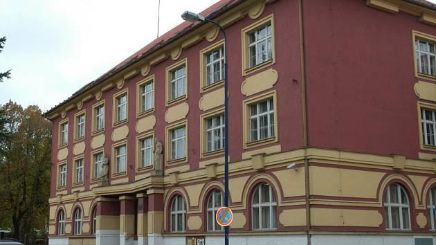 Benešovská pobočka VZP se stěhuje z Husovy ulice do centra města.