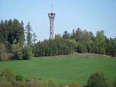 Rozhledna Špulka na kopci Březák nedaleko obce Lbosín u Divišova.