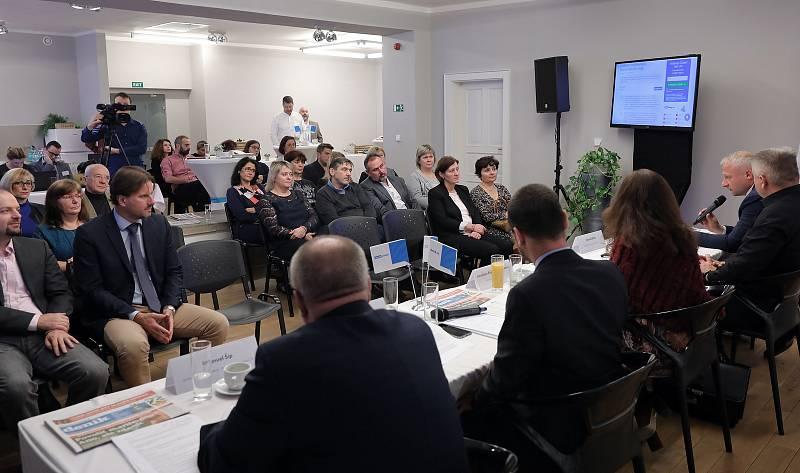 Deník s vámi - setkání s hejtmankou Středočeského kraje Jaroslavou Pokornou Jermanovou v Praze.