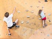 Přihlásit se na lezeckou akci mohl kdokoliv a závodilo se hned v pěti kategoriích podle věku.