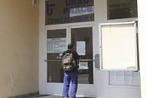 Problémy s agresory musí řešit i na Úřadu práce v Benešově.