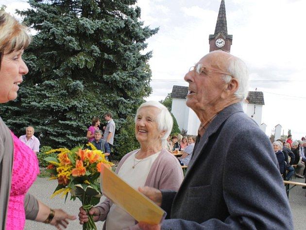 Při druhém setkání rodáků v Psářích se zaregistrovalo 244 účastníků.