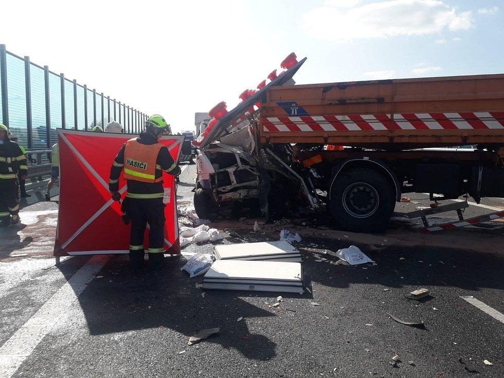 Tragická dopravní nehoda na Pražském okruhu poblíž obce Herink na Praze-východ.