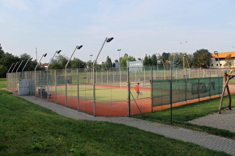 Atletický areál vznikne do roku 2018 u benešovského zimního stadionu. Tenisové kurty přesune MSZ jinam.