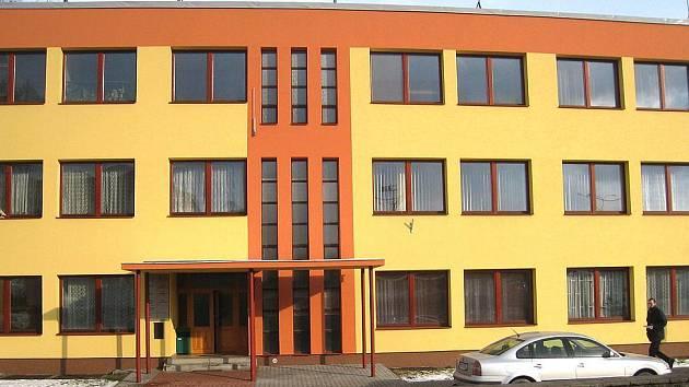 PF ČR Benešov prohrál v pátek 13. února u okresního soudu spor s městysem Neustupov. Na snímku je jeho sídlo v Žižkově ulici
