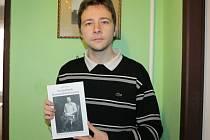 Lukáš Pavlík se svým prvním literárním dílem.