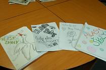 Některé výtisky Hlasů školy přinesli žáci do redakce Benešovského deníku.