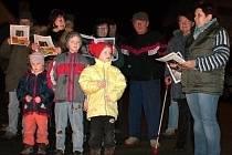 Psáře mají své tradice, patří zpívání koled i pochod na Velkonáč.