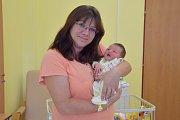 Malá Ela se narodila 5. září v17.49 v Benešově sváhou 3380 gramů a mírou 48 centimetrů manželům Zuzaně a Alešovi Jankovským zobce Zdislavice. Z mladší sestřičky Ely má velkou radost Klárka (3).