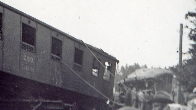 Četa vlaku 3547 byla o změně křižování vyrozuměná, u vlaku 3546 ne. Bilance: Devět mrtvých a šestnáct těžce zraněných na místě. Jeden z nich, topič František Mareš, zemřel o tři dny později.
