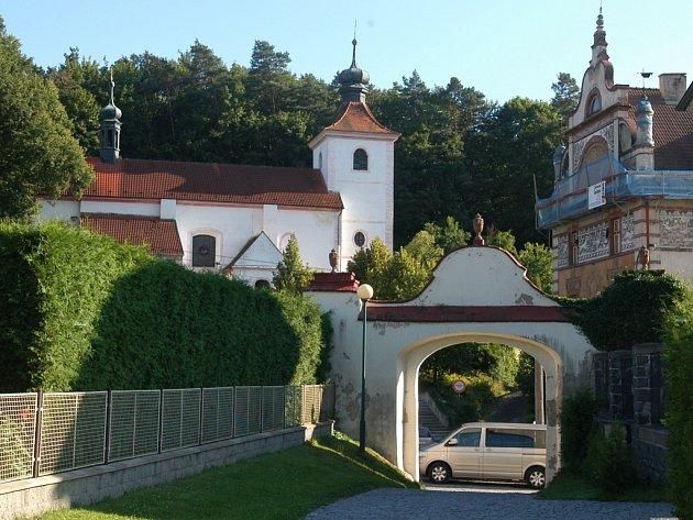 Stará část města Týnce nad Sázavou.