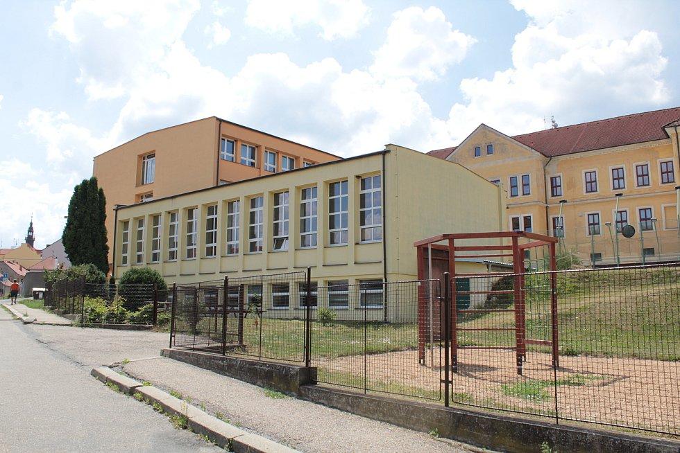 Základní škola ve Voticích.