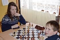 Souboj vítězné Anežky Vlkové s velmi talentovaným, teprve osmiletým Jakubem Vojtou.
