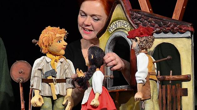 Autorskou pohádku O statečné Margitce představí Bářino toulavé divadlo v Týnci nad Sázavou.