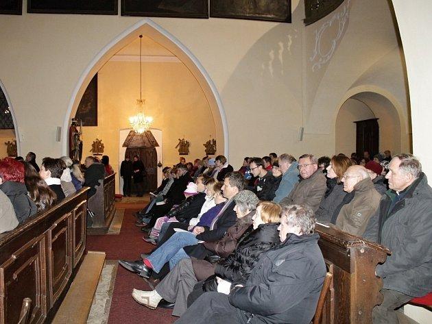 Vánoční koncert v kostele s. Mikuláše na benešovském Karlově.
