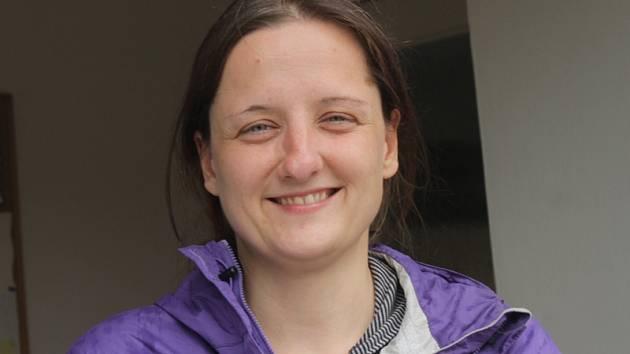 Dobrovolnice Annegret Breithaupt z Drážďan přiblížila lidem z Mezna a okolí kulturu lužickosrbské menšiny ve východním Německu v okolí Budyšína a Zhořelce.