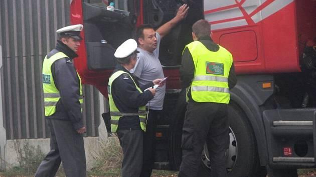 Policie kontrolovala kamiony spolu s Centrem služeb pro dopravu u Bystřice