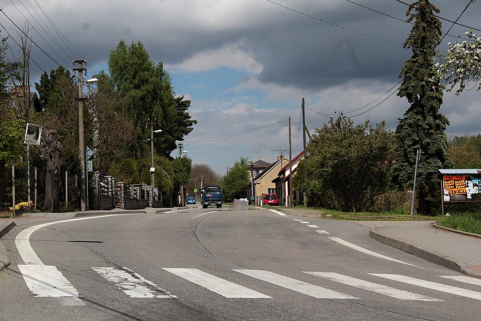 Výstavba komunikace pro pěší v Divišově.