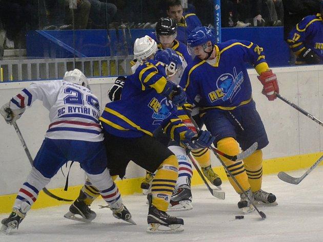 Vládci okresu Benešov jsou hokejisté Vlašimi, kteří zvítězili s Benešovem 6:2.