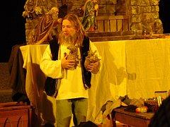 Setkání před Betlémem v podání kejklíř Víti Marčíka.