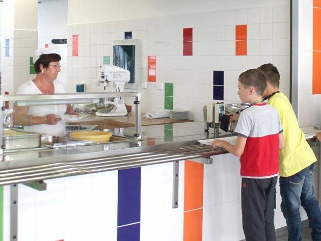 Školní jídelna.