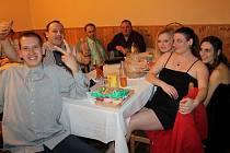 Hasičský ples rozvířil zábavu v kondracké restauraci.