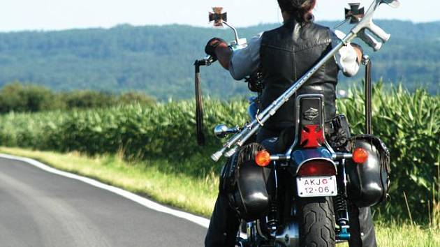 Tento snímek posloužil jeho autorovi jako základ pro ztvárnění motivu Dne pro všechny motorkáře