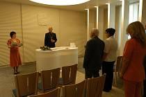 Nově zrekonstruovaná svatební síň v benešovské radnici získává na popularitě.