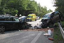 Autonehoda tří osobních aut u Bystřice