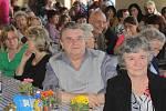 Mezinárodní den žen berou v Chářovicích jako příležitost, kdy se mohou místní sejít a pobavit se. A to se jim už šest let daří.