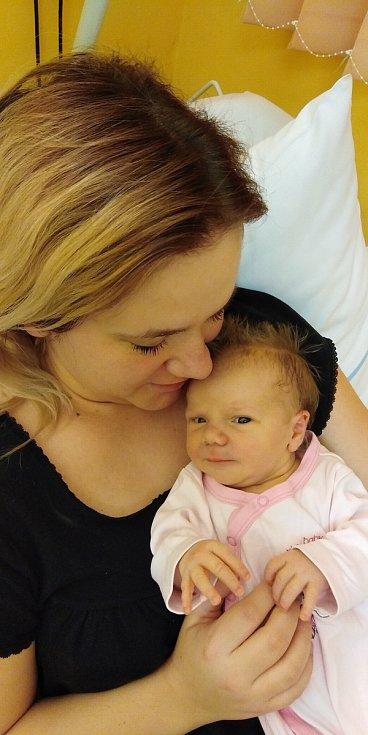 Amálie Buriánová přišla na svět 13. dubna 2021 v 16. 04 hodin v čáslavské porodnici. Vážila 3720 gramů a měřila 52 centimetrů. Doma ve Vlkanči se z ní těší maminka Nikola a tatínek Jan.
