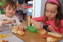 Do semifinále dětské kuchařské soutěže postoupili i žáci ze ZŠ Dukelská.