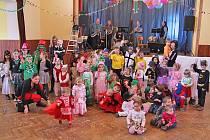 Dětský karneval v Mezně.