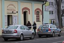 Vyšetřování incidentu v pivovarské prodejně v Táborské ulici v Benešově.