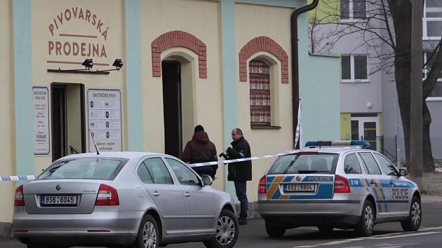 Policejní manévry v Benešově. Prodejnu piva strážníci uzavřeli. Proč?