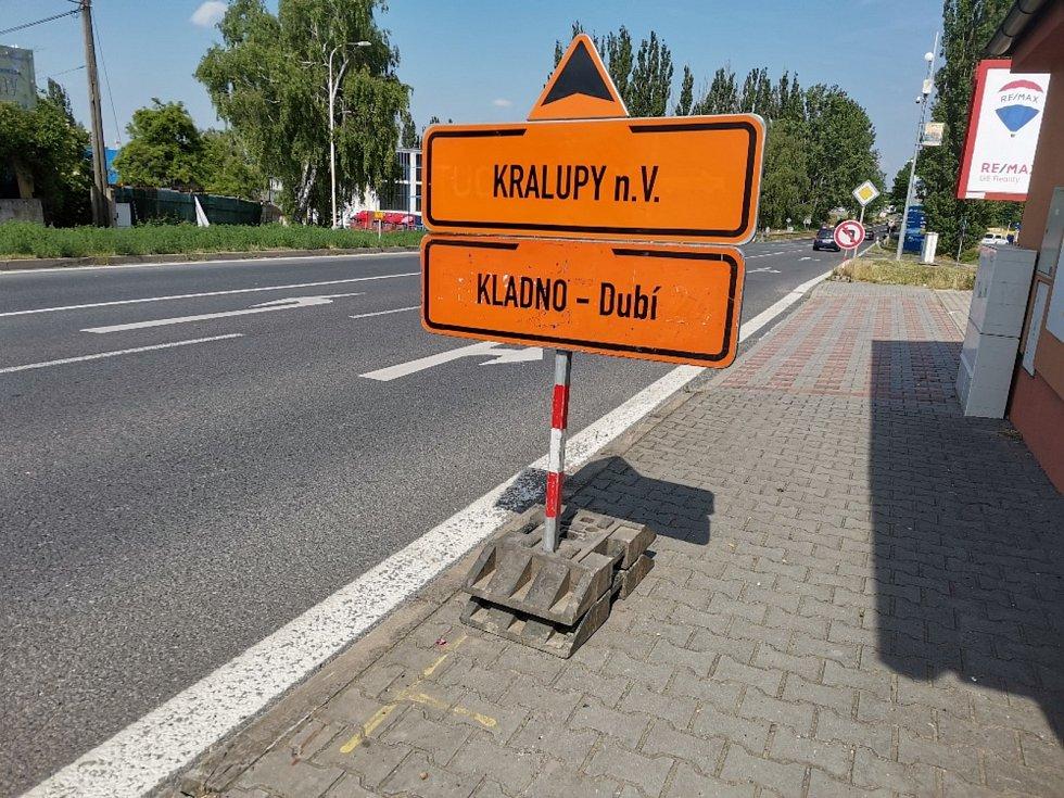 Libušinou ulicí v Kladně až do pátku 2. července neprojedete. Kraj zde opravuje komunikaci.