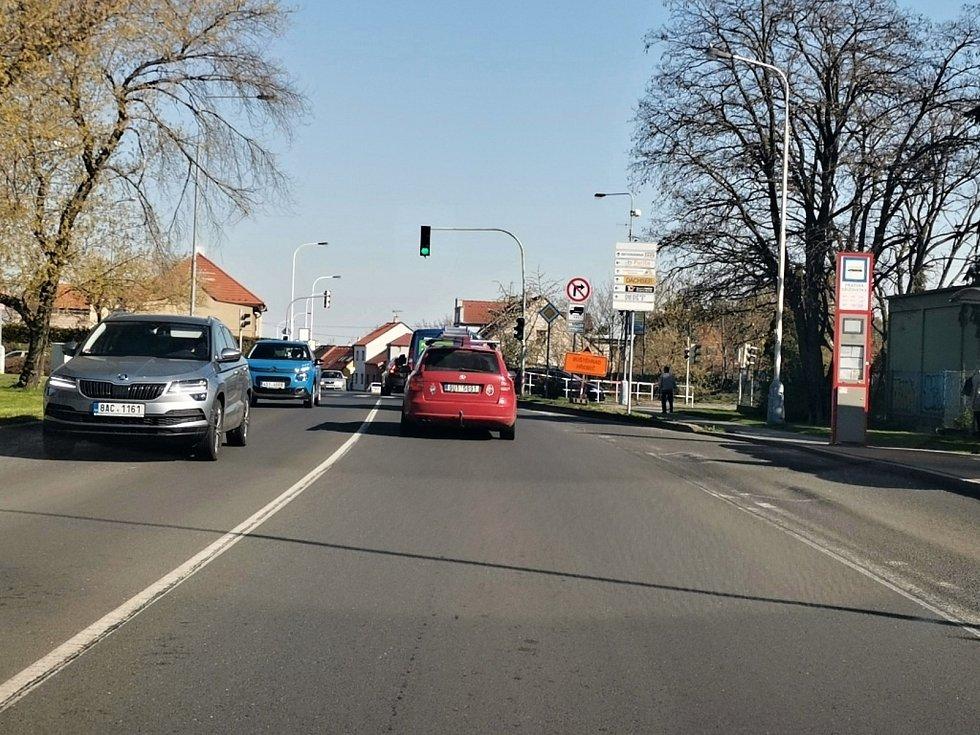 V Kročehlavech se od úterý opravují silnice, průjezd je omezen.